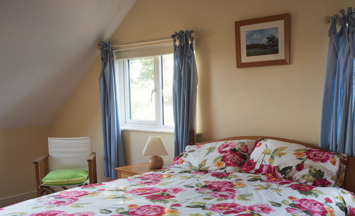 En suite bedroom in Higher Westcott cottage for self catering in Devon for large groups